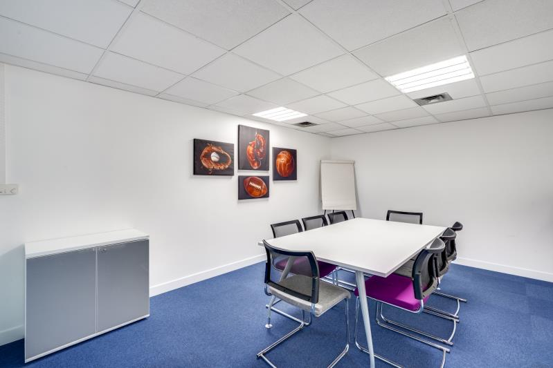 Rental office Suresnes 3827,67€ CC - Picture 7