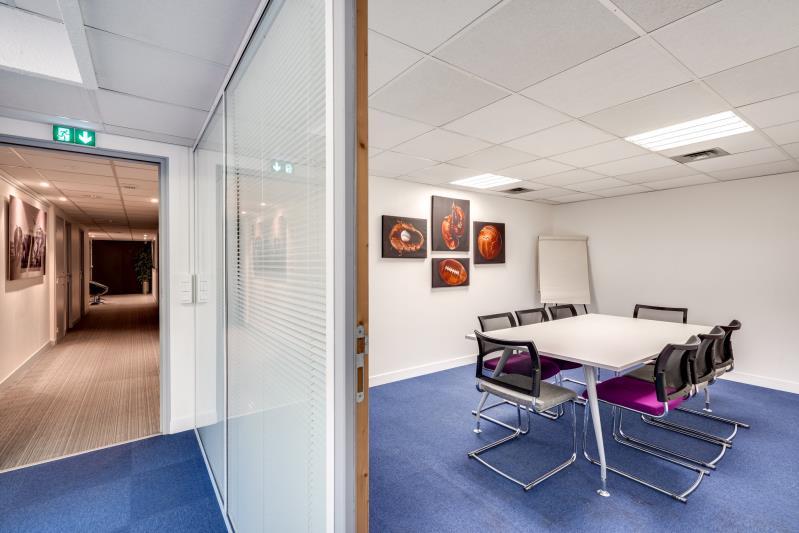 Rental office Suresnes 3827,67€ CC - Picture 8
