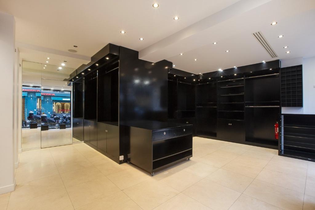 Rental empty room/storage Paris 16ème 4100€ CC - Picture 3