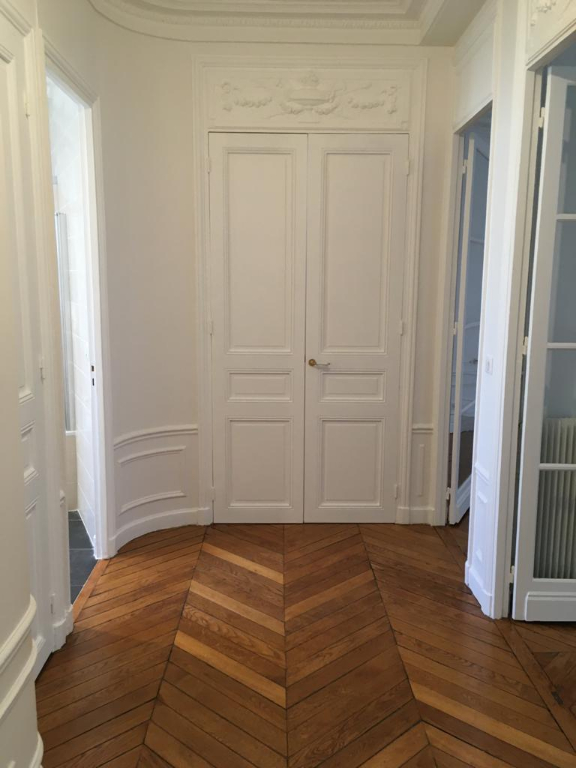 Location appartement Paris 17ème 2 304,04€ CC - Photo 2