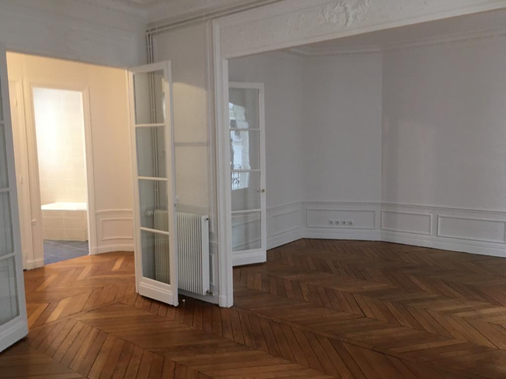 Location appartement Paris 17ème 2 304,04€ CC - Photo 3