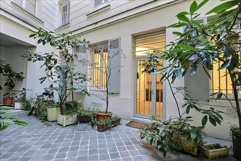 PARIS 01 - 33 m2