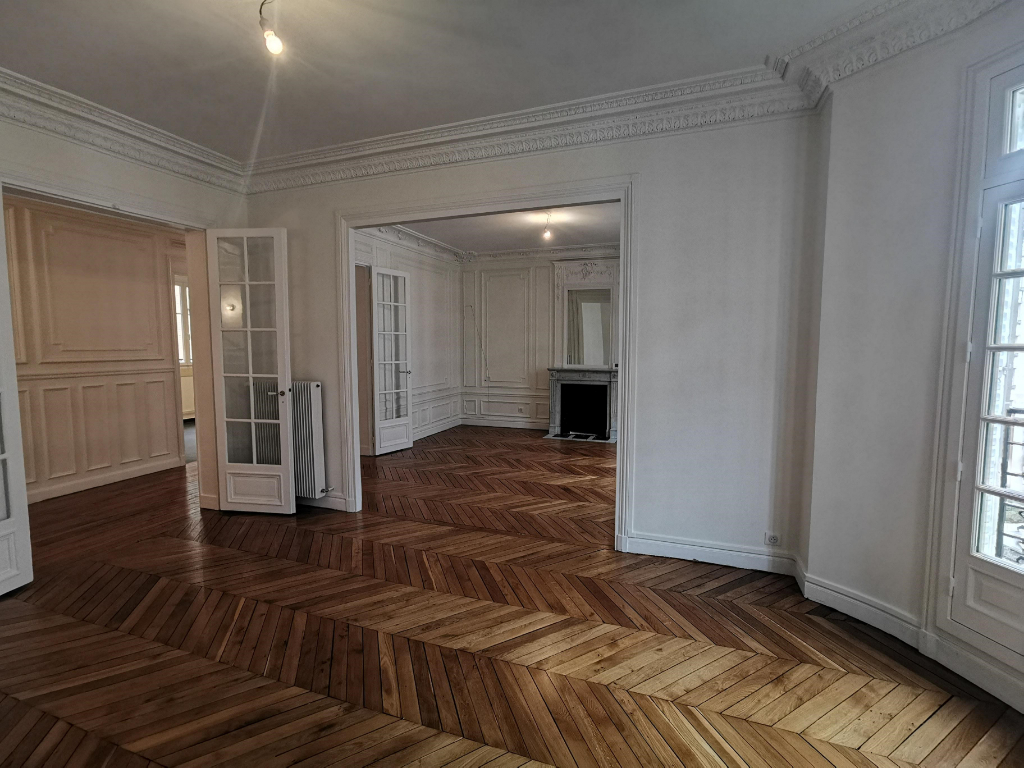 Rental apartment Paris 17ème 2 734,40€ CC - Picture 2