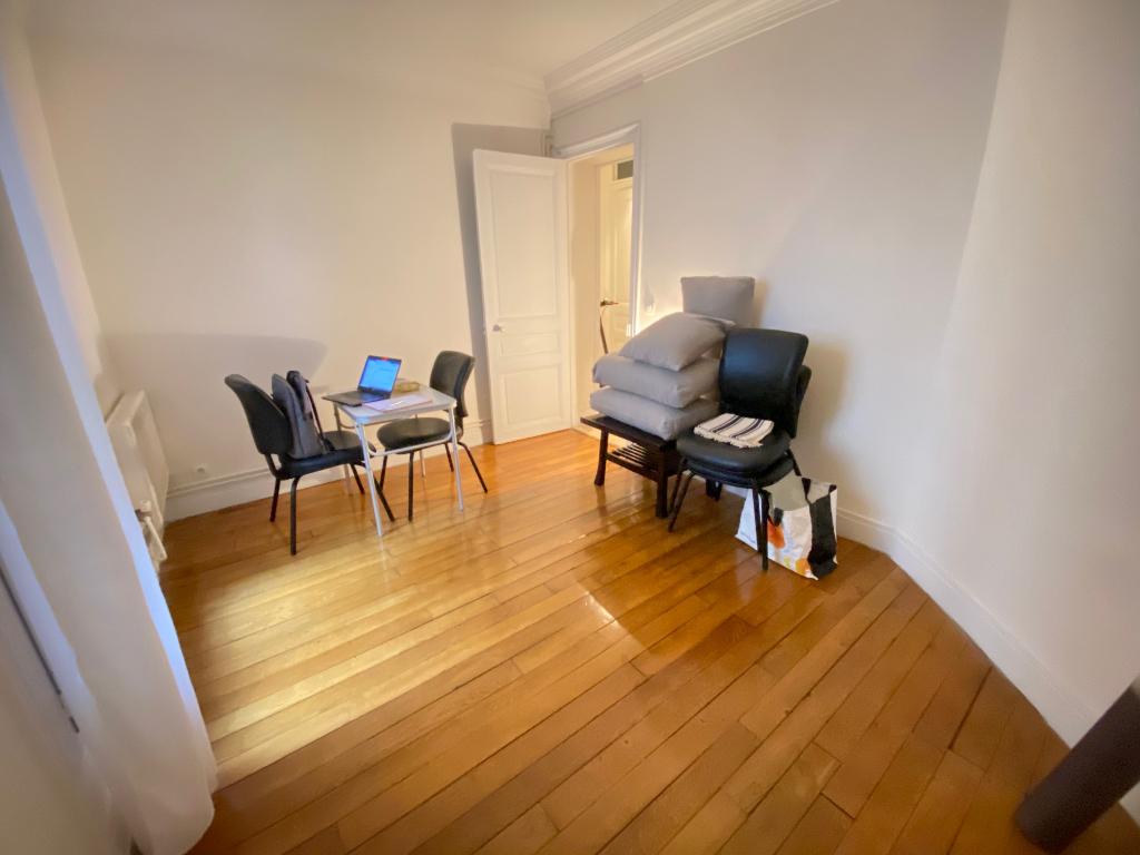 Sale apartment Paris 11ème 580000€ - Picture 1
