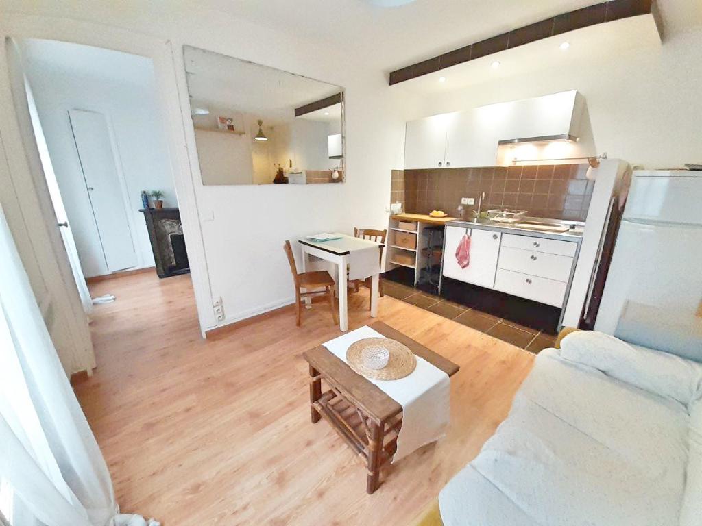 Sale apartment Paris 20ème 349000€ - Picture 2