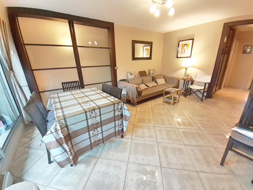 Sale apartment Paris 19ème 650000€ - Picture 2