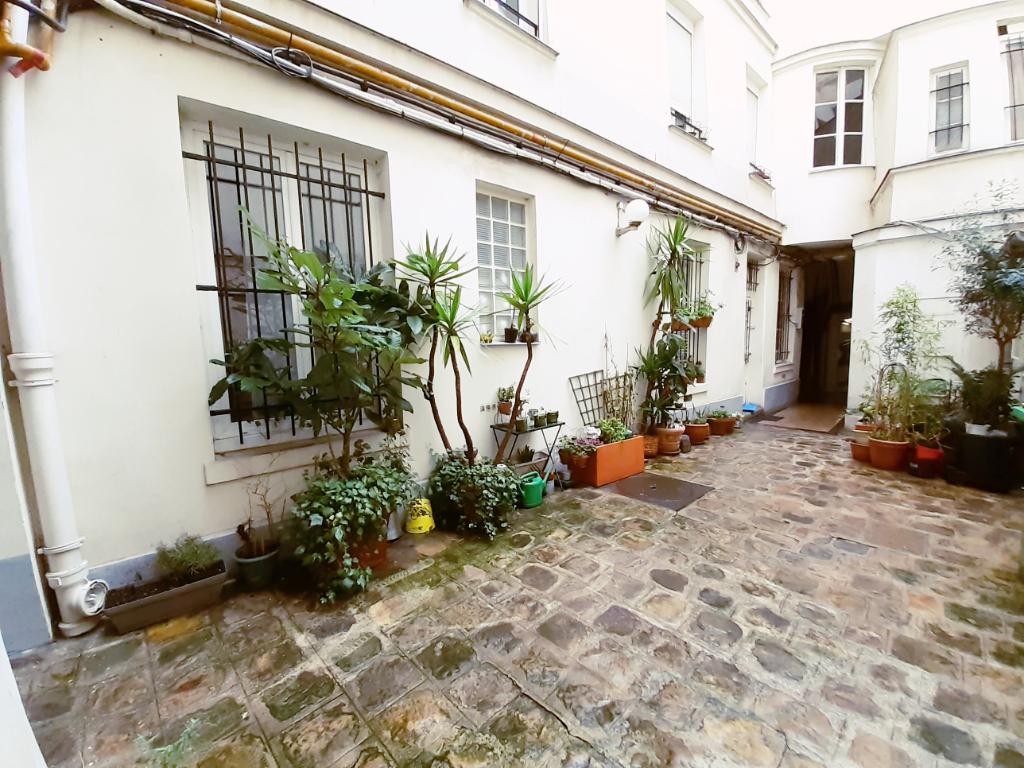 Sale apartment Paris 10ème 375000€ - Picture 4