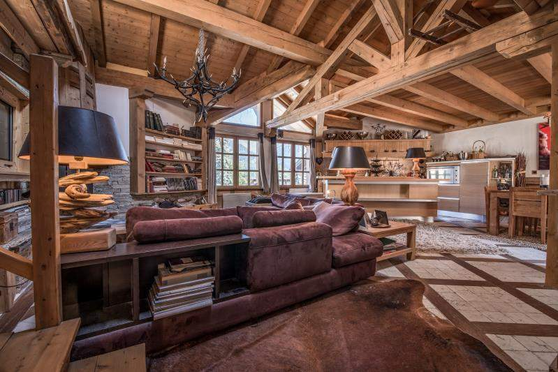 Chalet of 200 sqm for sale in Courchevel Le Praz Chalet in Courchevel