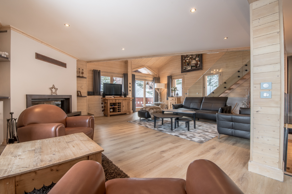 Renovated family chalet in the center of Courchevel - 5 en-suite bedrooms Chalet in Courchevel