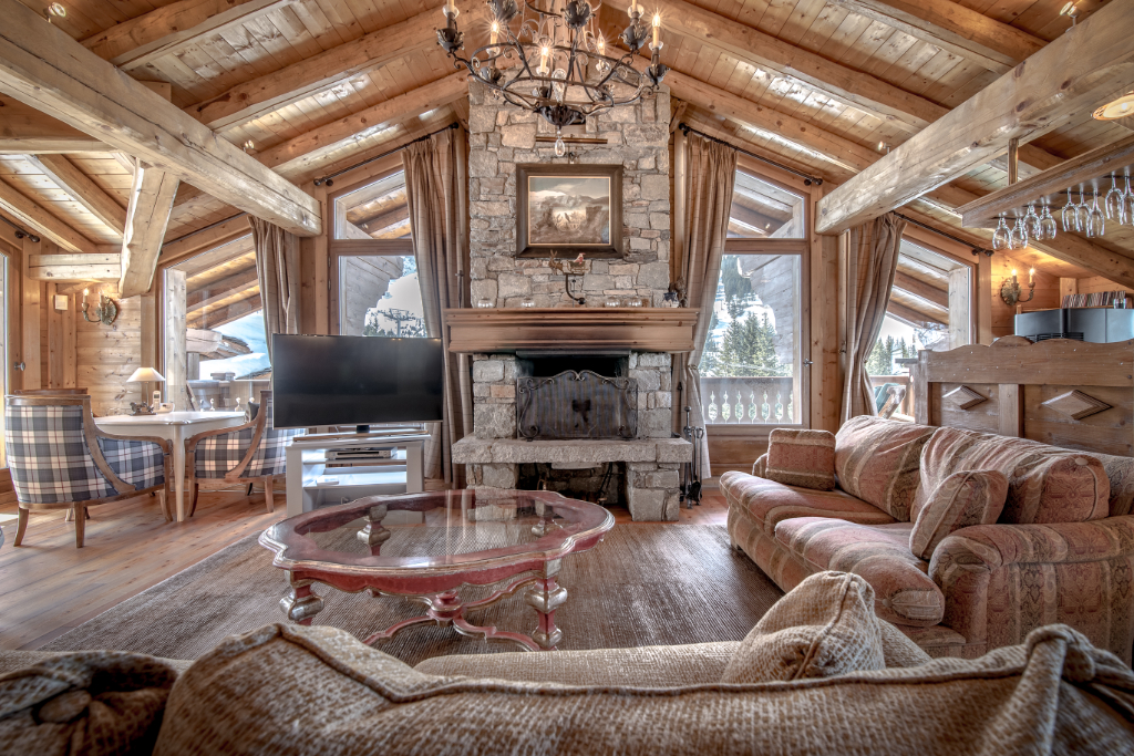 Magnificent traditional chalet - quality location - quiet and sunny Chalet in Courchevel