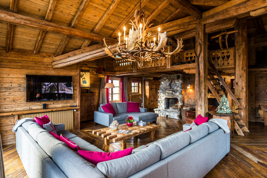 Traditional chalet with swimming pool - 8 bedrooms - near ski slope Accommodation in Courchevel