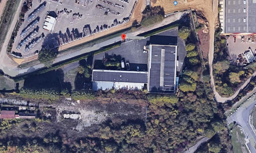 Vente Immeuble de 3000 m² - LES MUREAUX 78130   VILLAGE BLEU - AR photo2
