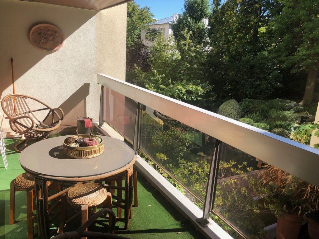 Location appartement Paris 16ème 1975€ CC - Photo 2