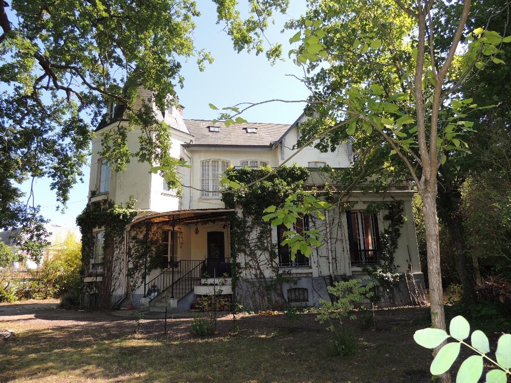 Sale house / villa Le vesinet 1545000€ - Picture 1
