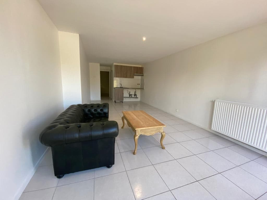 95-Location appartement 42m² + Parking 889€CC