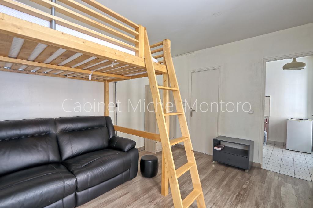 Sale apartment Saint germain en laye 190000€ - Picture 2