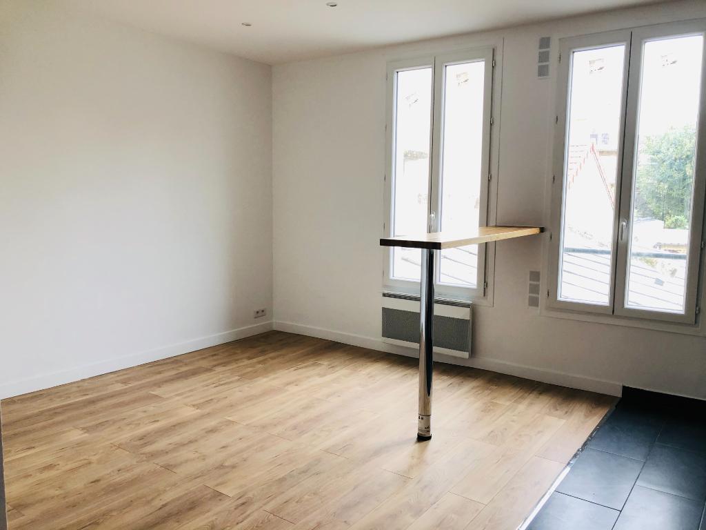 Location appartement Asnieres sur seine 1300€ CC - Photo 2