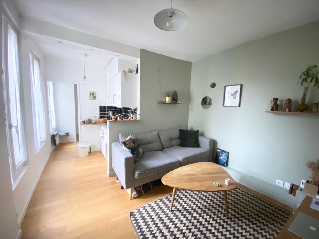 Appartement Paris 1 pièce(s) 24.63 m2