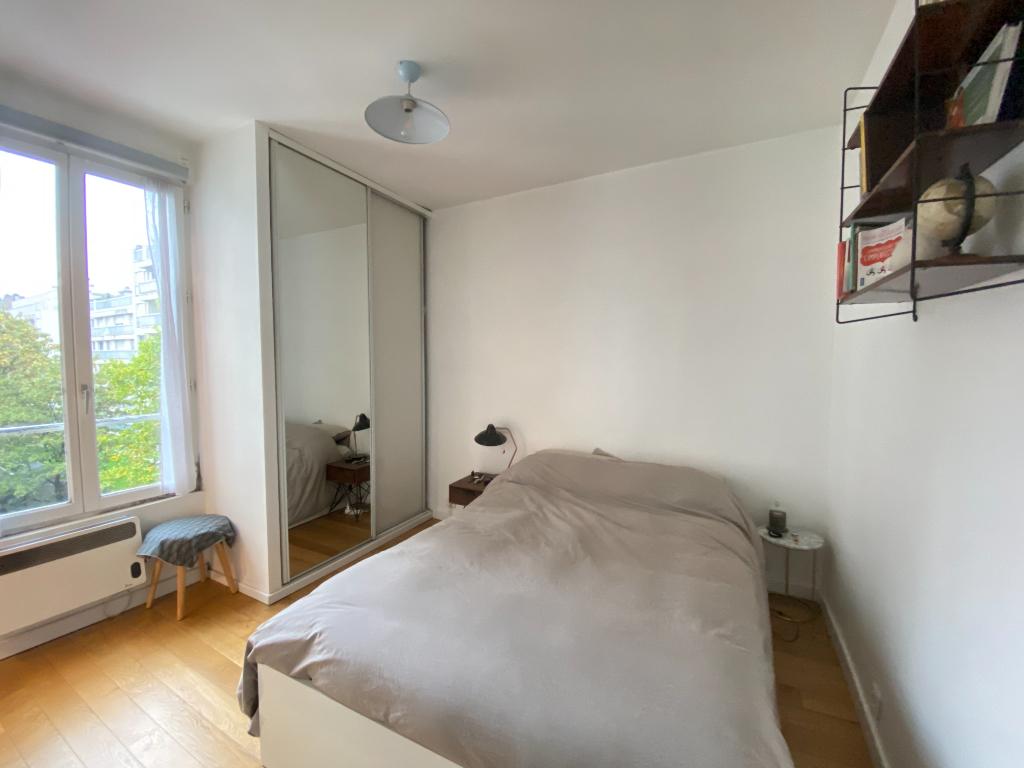 Location appartement Paris 17ème 1022,15€ CC - Photo 3