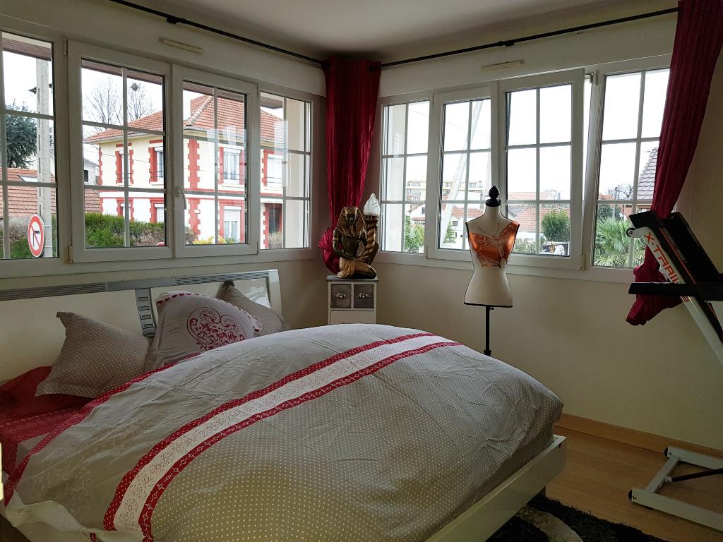 Sale house / villa Livry gargan 395000€ - Picture 7