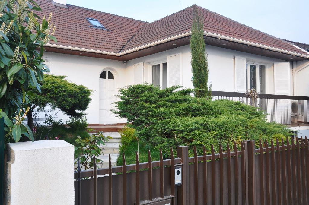 Sale house / villa Livry gargan 500000€ - Picture 1