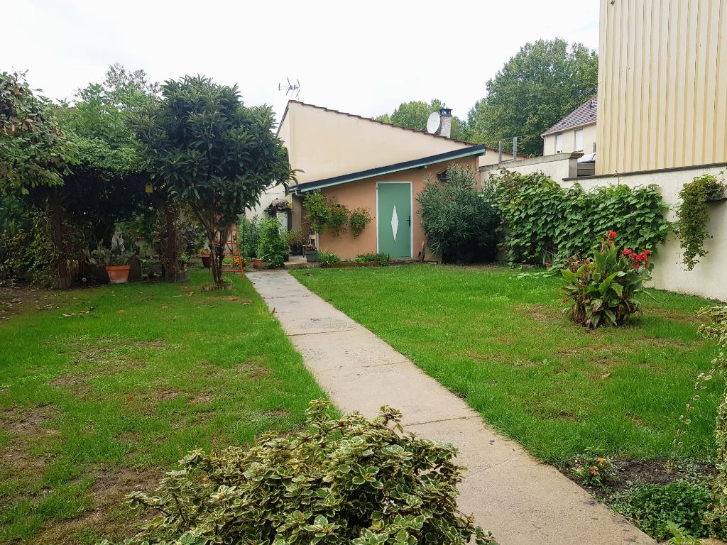 Sale house / villa Vaujours 455000€ - Picture 3