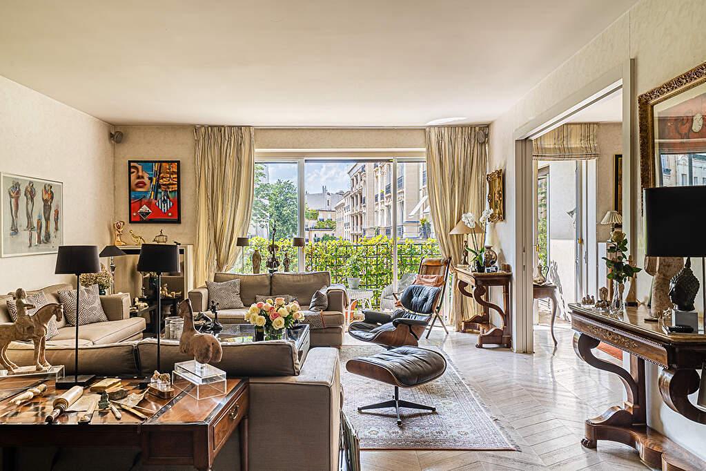 Appartement Paris 5 pièce(s) 155 m2