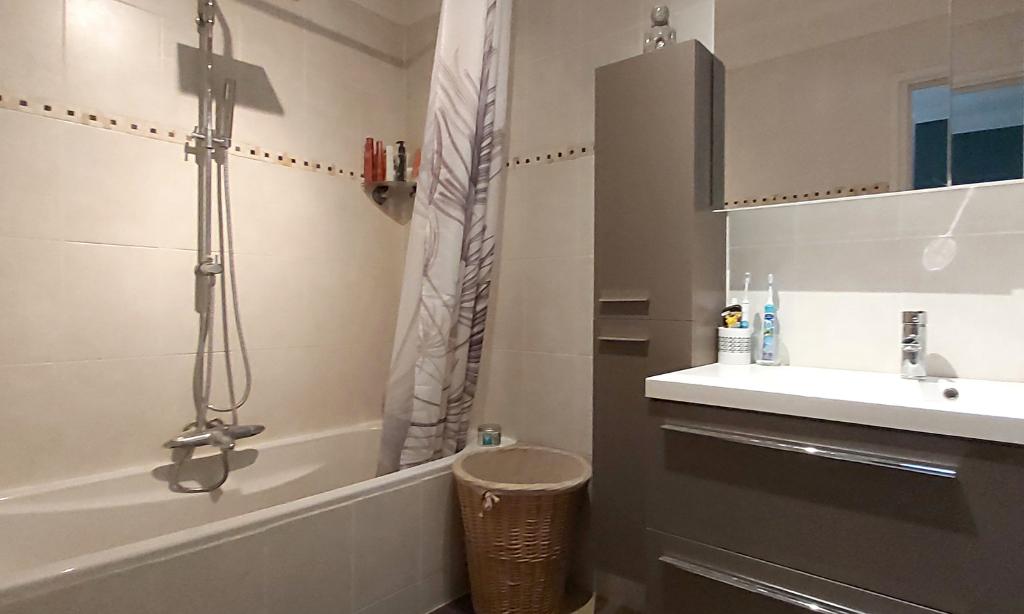 Vente maison / villa Saint genis des fontaines 210000€ - Photo 9