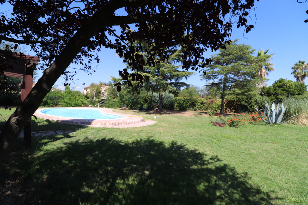Vente maison / villa Saint genis des fontaines 331700€ - Photo 2