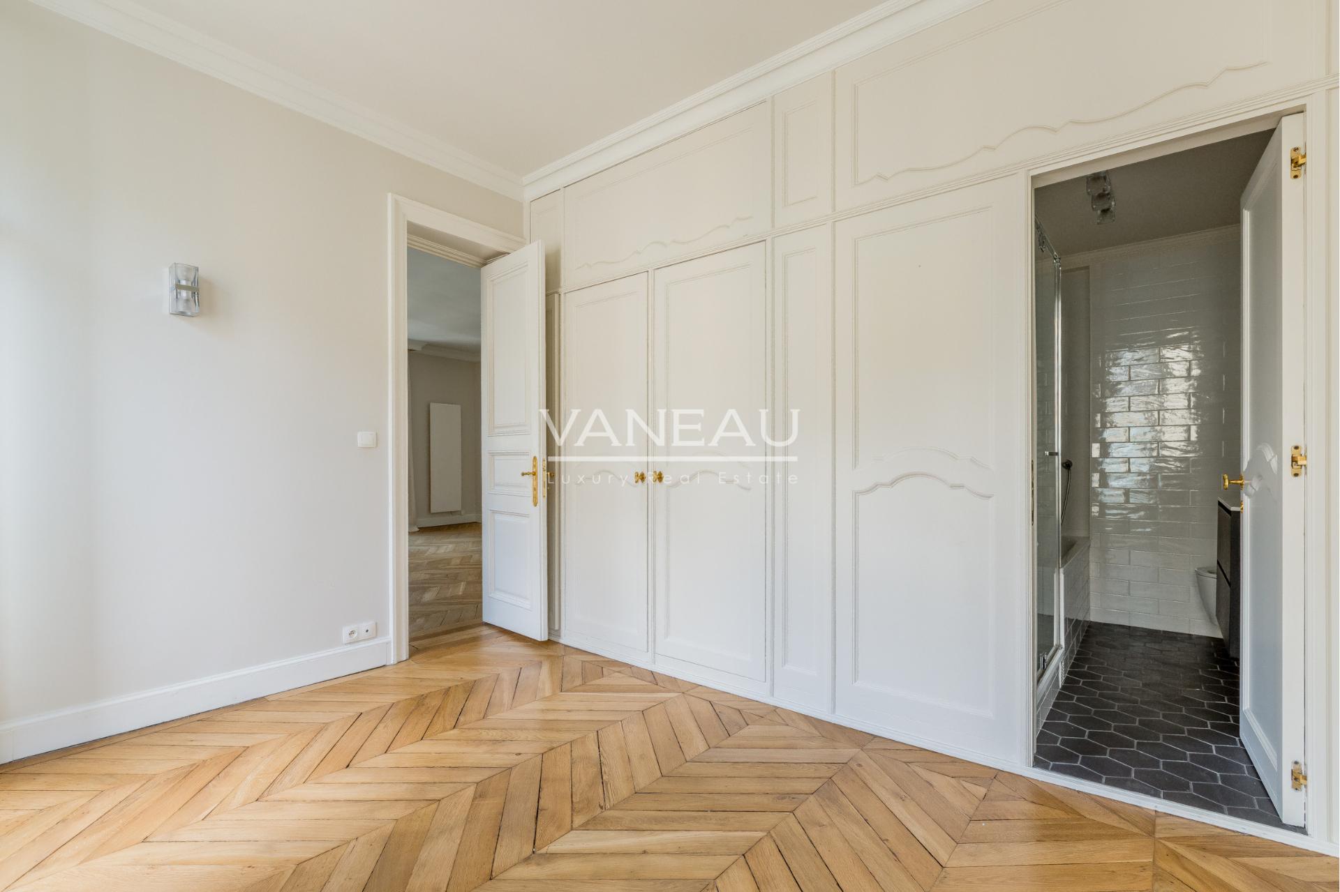 Immobilier Paris – France – Vaneau – 7