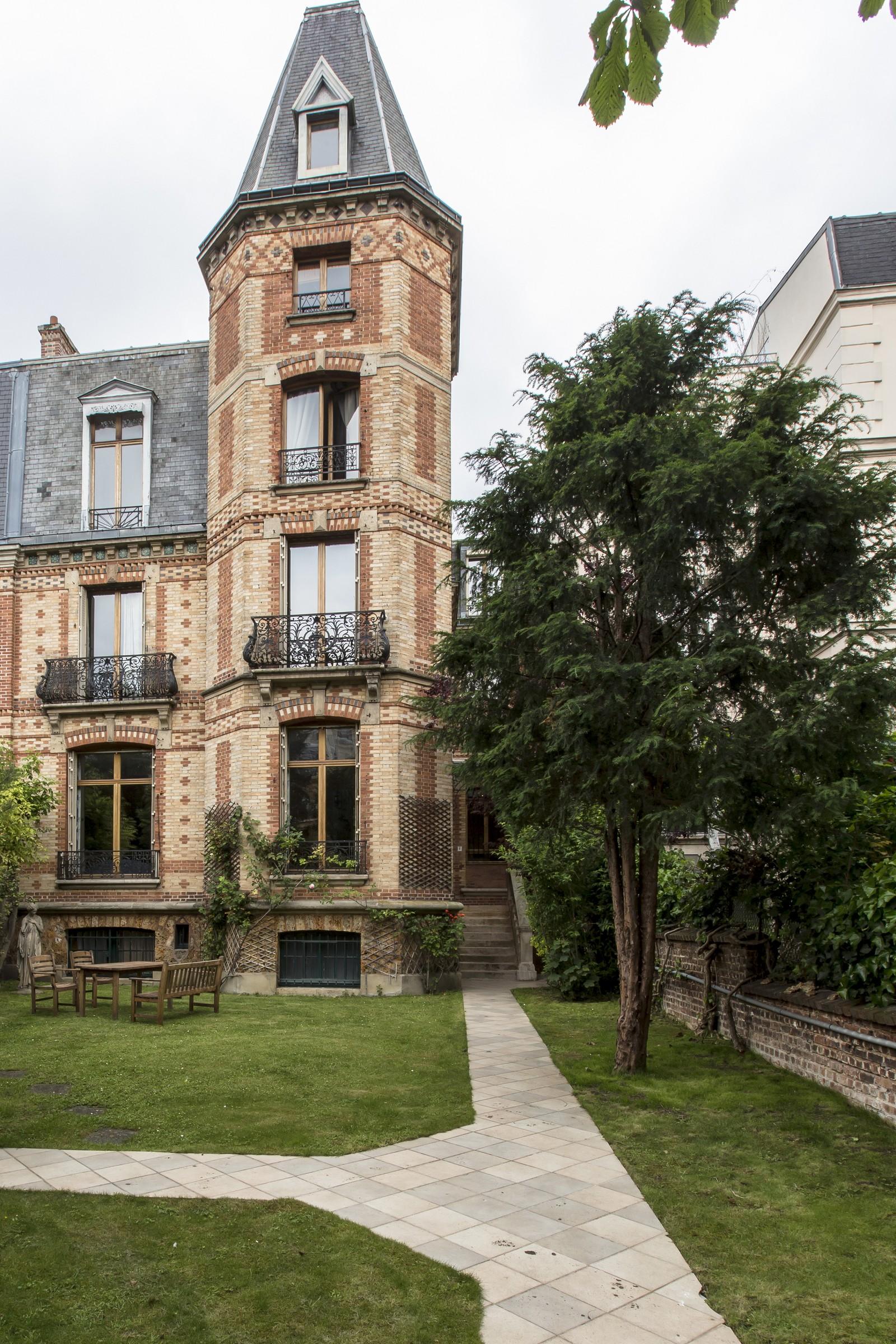 Real estate Paris – France – Vaneau – 9