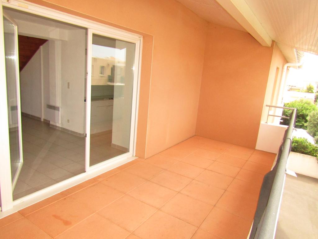 PHOTO1 - Location appartement 3 pièces  avec terrasse et garage sur Agde .
