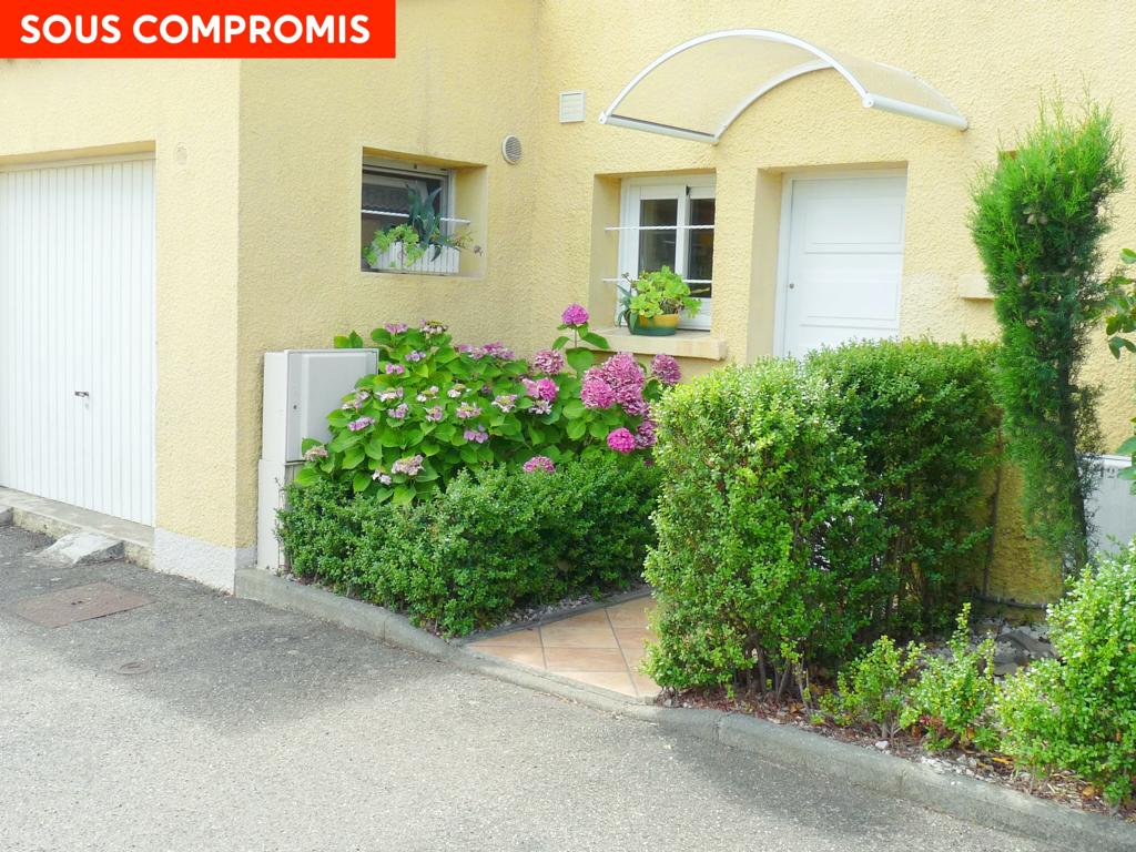 PHOTO1 - Vente villa avec jardin , terrasse dans résidence avec piscine au Cap d' Agde .