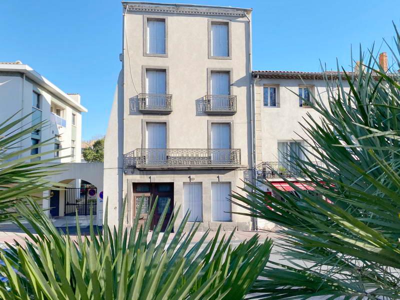 PHOTO1 - AGDE Immeuble de rapport  proche des berges de l'Hérault avec jardin à Agde.