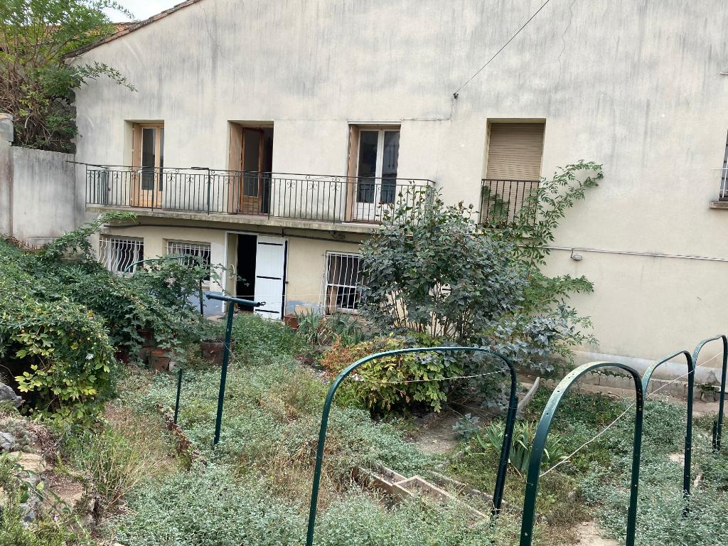 PHOTO1 - Vente grande maison avec jardin et garage à Agde
