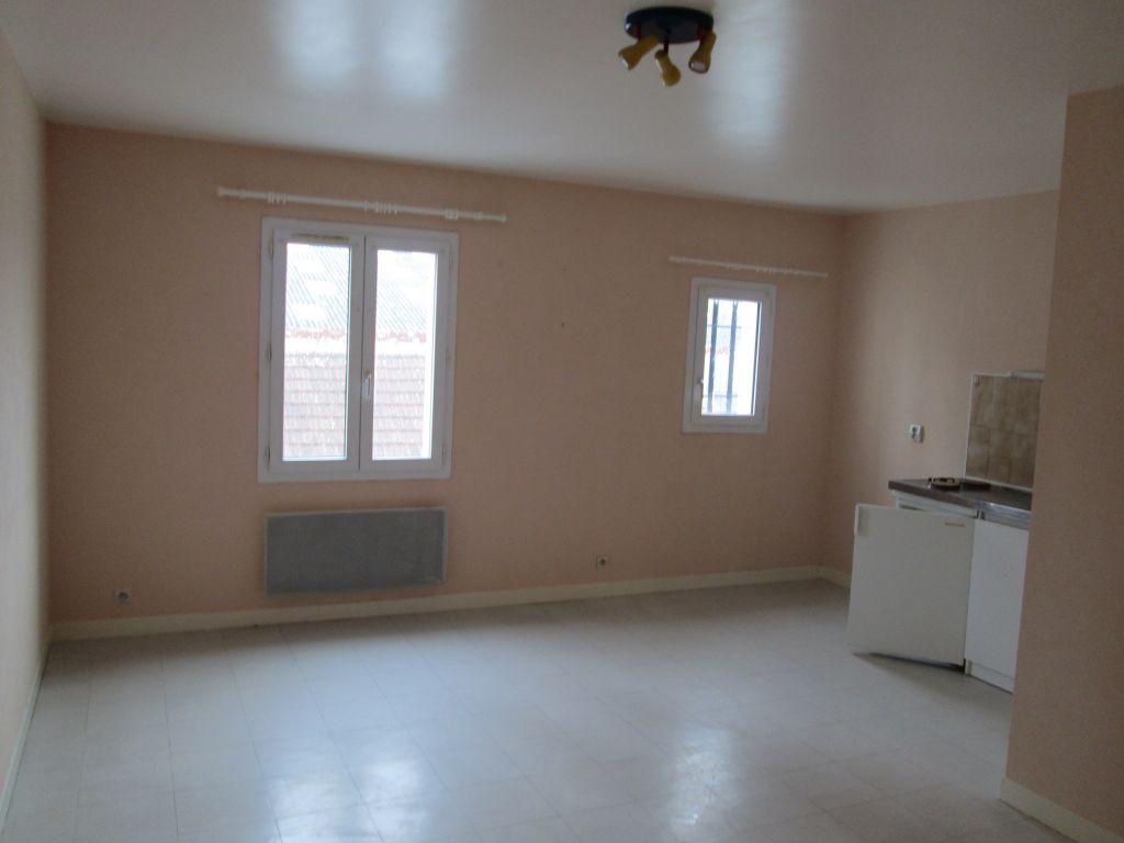Appartement 1 pièce - 1 chambre - ROMORANTIN LANTHENAY