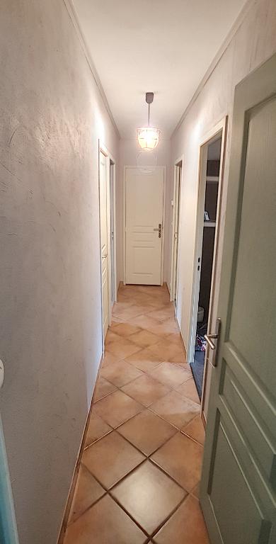 Maison à vendre - Mur de Sologne .Maison plain pied 4 chambres , terrain 1292 m