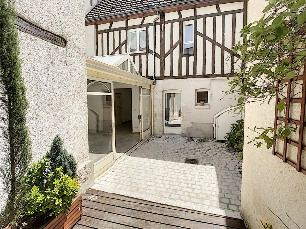 Maison 8 pièces - 5 chambres à vendre à ROMORANTIN LANTHENAY