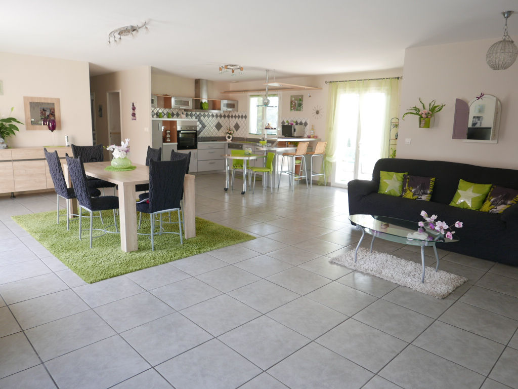 belle villa de plein pied de 178m2 habitable avec vue garage 70m2 av wc salon ouvert 95 m2. Black Bedroom Furniture Sets. Home Design Ideas