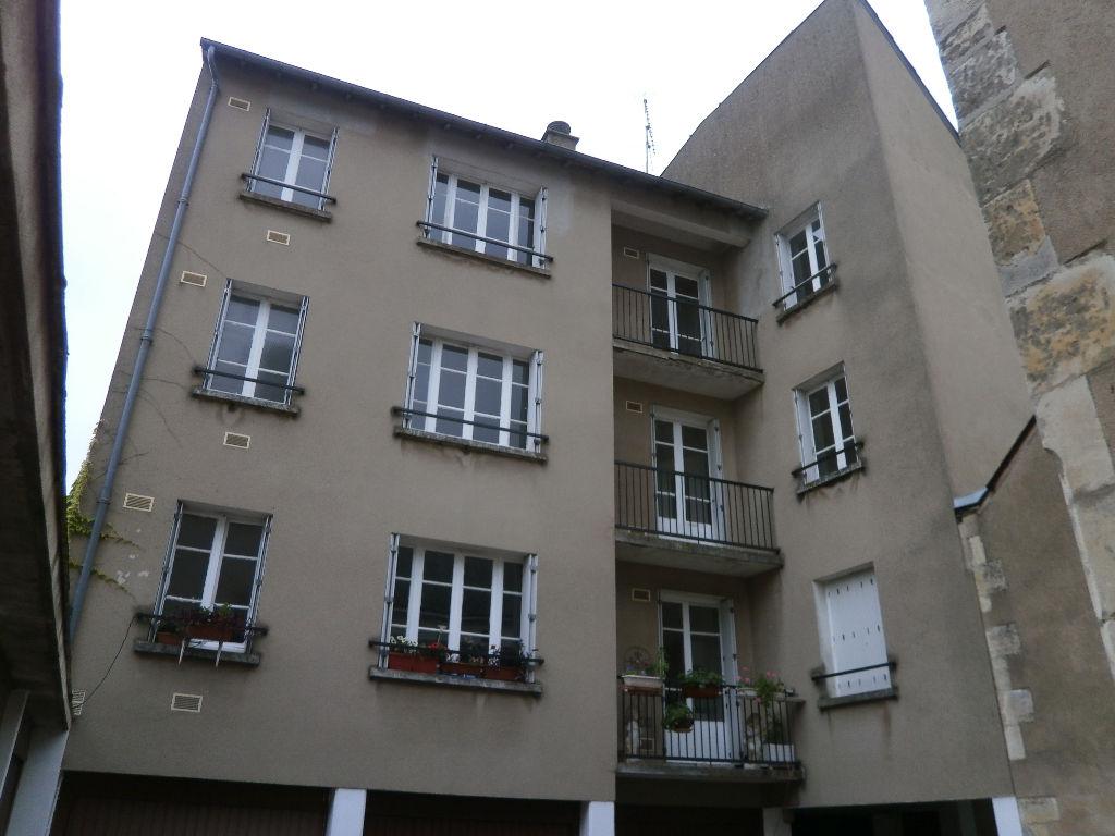 Appartement 2 pieces 65 m2 au 2 eme etage garage en sus for Appartement garage