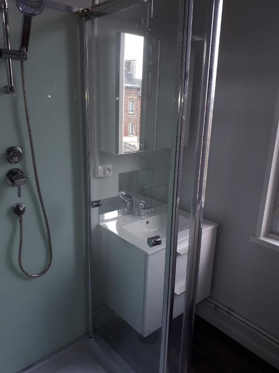 Rental apartment Saint quentin 410€ CC - Picture 8