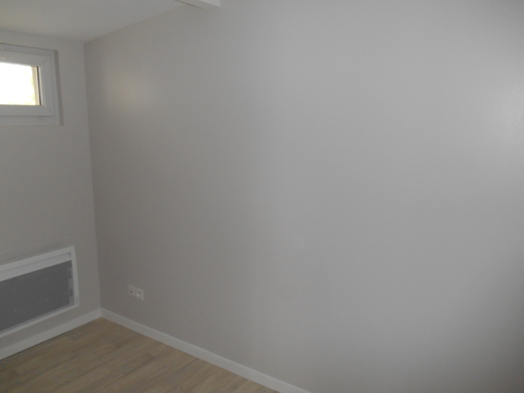 Rental apartment Saint quentin 385€ CC - Picture 4