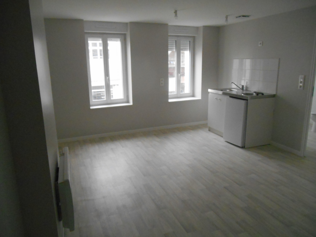 Rental apartment Saint quentin 385€ CC - Picture 5