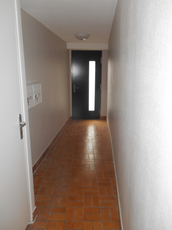 Rental apartment Saint quentin 385€ CC - Picture 7
