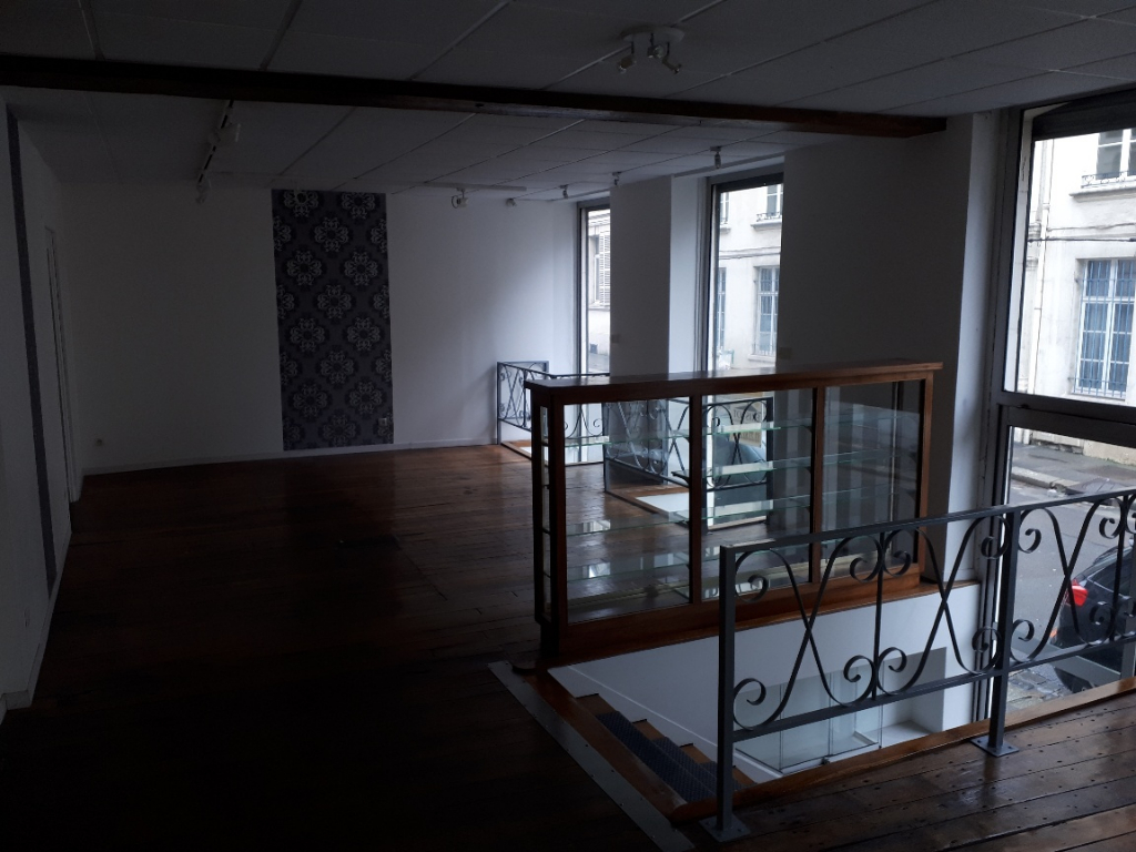 Location local commercial Saint quentin 650€ HC - Photo 3