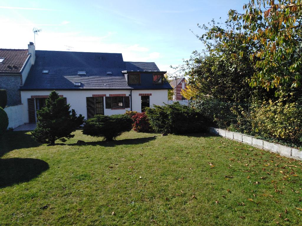 Maison 3 chambres avec jardin et garage  env.125 m²