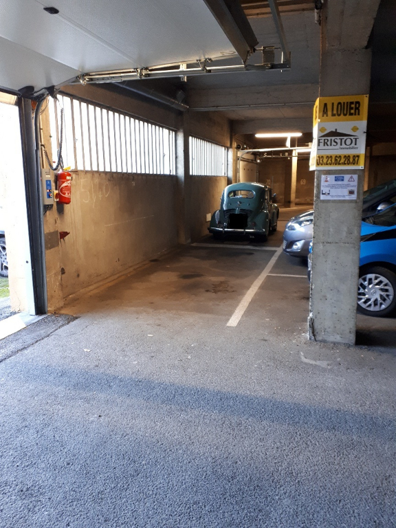 Rental parking spaces Saint quentin 35€ +CH - Picture 1