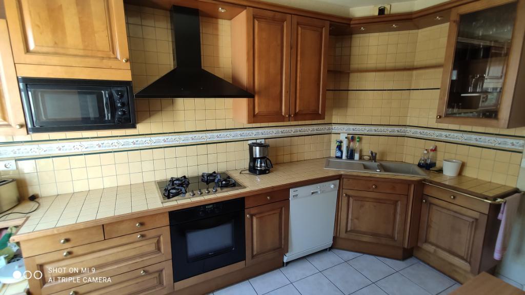 Sale apartment Saint quentin 264000€ - Picture 2