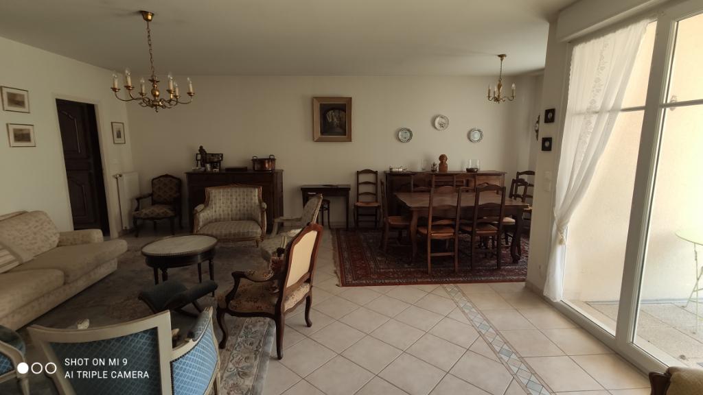 Sale apartment Saint quentin 264000€ - Picture 3