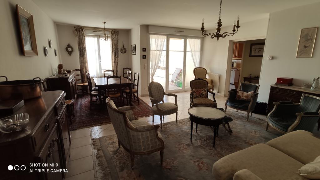 Sale apartment Saint quentin 264000€ - Picture 4